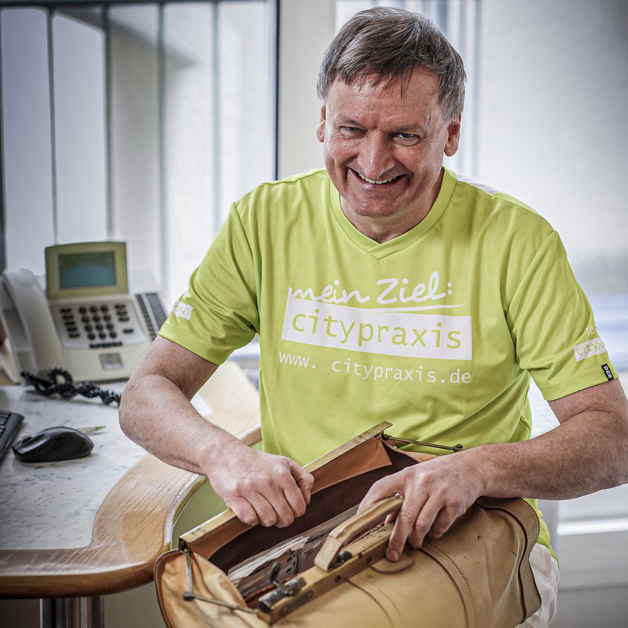 Dr. Helmut Elsässer